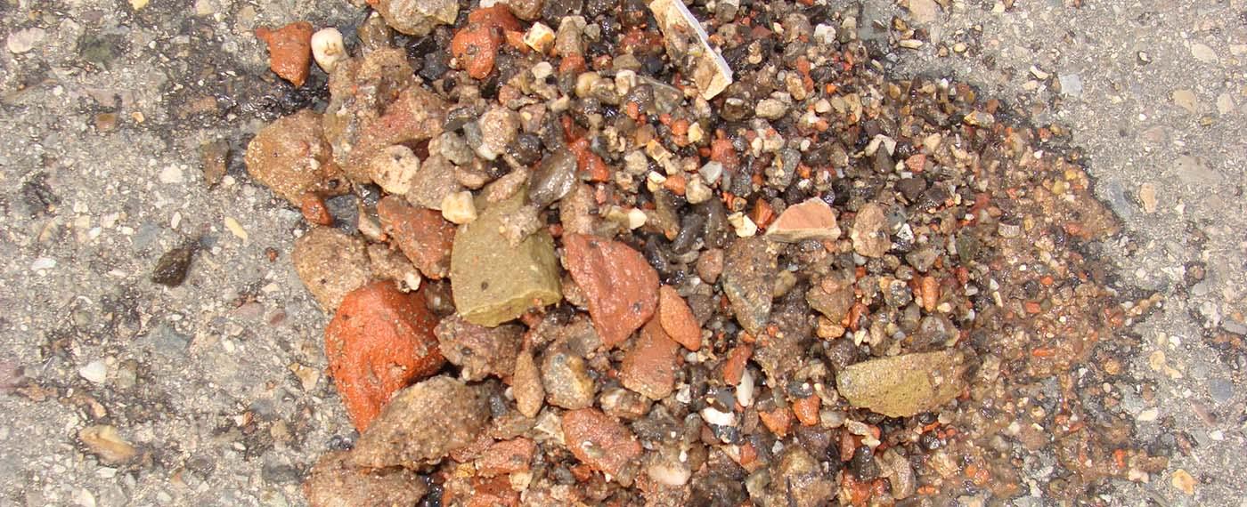 Puin, grond en zand